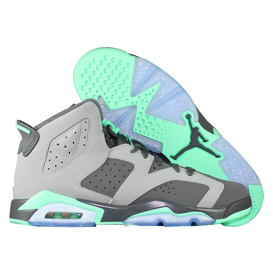 Кроссовки JordanКроссовки детские баскетбольные Jordan 6 (VI) Retro GG quot;Green Glowquot;<br><br>Цвет: Серый<br>Выберите размер US: 6