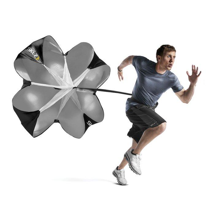 Другие товары SKLZПарашют для тренировок SKLZ Speed ChuteСпециализированный парашют для бега. Предназначен для тренировок на скорость, прыжок и взрывную силу атлета. Хорошее средство, если Вы уже достигли своего максимума.<br><br>Цвет: Мульти<br>Выберите размер US: 1SIZE